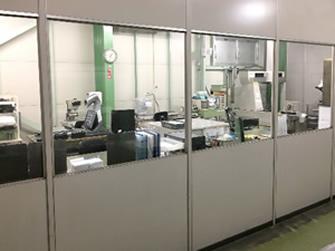 恒温室での検査・品質保証